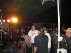 vor der Bühne